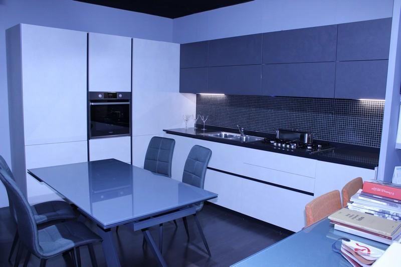 cucina Forma 2000 mod. Space in laminato resina